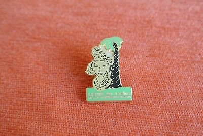 19299 Pins Pin's Amicale Des Antillais Montbeliard Belfort Martinique Guadeloupe
