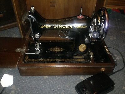 Heavy Duty Singer 99K Electric Sewing Machine, sews Leather
