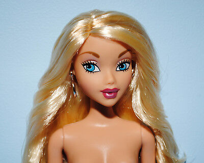 CAPTIVATING Wavy Blonde Hair NUDE Belly Button Genuine BARBIE w/ Blue Eyes