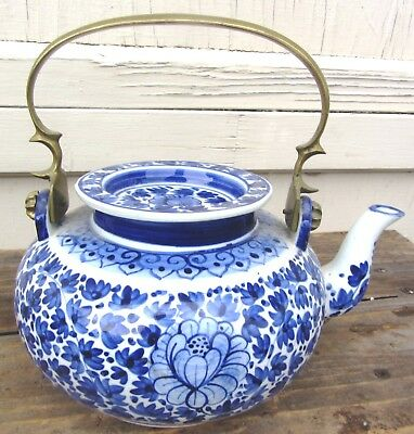 Beautiful Antique Chinese Blue And White Teapot With Brass / Bronze Handle