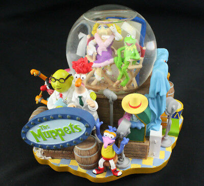 Disney The Muppet Show Musical Snowglobe Lights Up, Plays Theme Song - Rare!