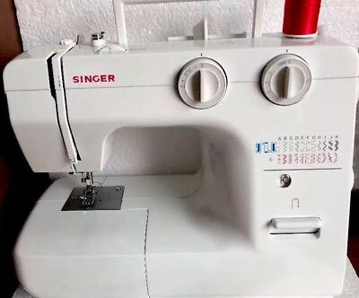 SINGER AUTOMATIC SEWING Machine Model 40 Foot Pedal 40 Stitch Delectable Singer 40 Stitch Sewing Machine