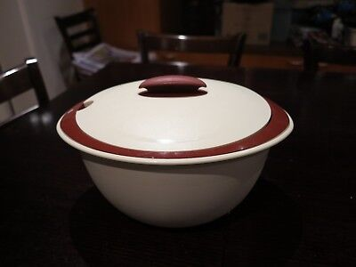 TUPPERWARE HIGH INSULATED SERVER Maroon and cream - 4.3L
