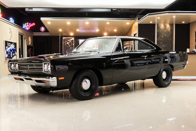 Plymouth Road Runner  440CI, 4 Speed Manual, Sure Grip Rear End, Power Front Disc Brakes, Restored