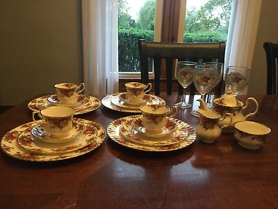 1962 Royal Albert, Old Country Roses, Service for 4, Excellent Condition