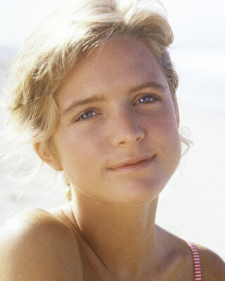 Side Out Courtney Thorne-Smith Lovely Smiling Portrait 8X10 Photo