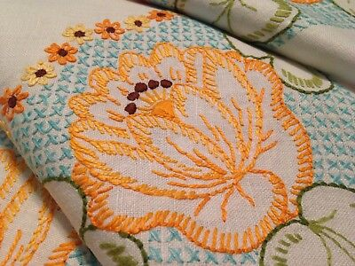 Vintage Hand Embroidered Whtie Linen Tablecloth ~ Beautiful Embroidery