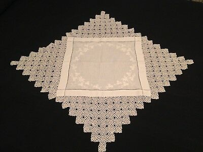 VINTAGE HAND EMBROIDERED WHITEWORK TABLECLOTH ~ BEAUTIFUL CLOVER And DEEP LACE