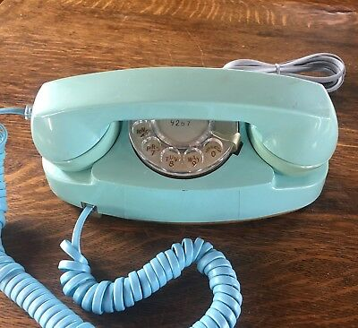 Vintage Bell System Blue Aqua Turquoise Princess Rotary Dial Telephone 702B