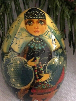 Russian Hand Painted & Lacquered Mini Wooden Egg  Of Russian Lady In Costume