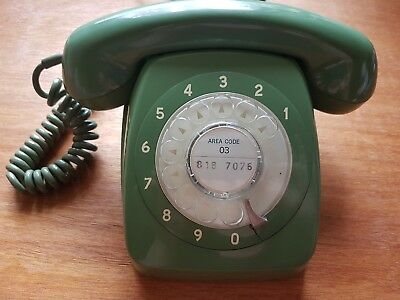 Working vintage retro green rotary phone STC 63 PMG 801 AT & 2m extension cord