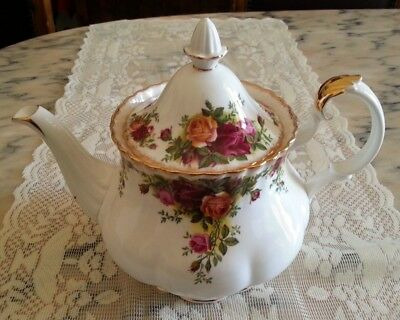 Royal Albert Old Country Roses Teiera in porcellana inglese