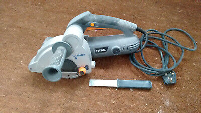 Titan Wall Chaser, 150mm blade, 1700W. Very little used.