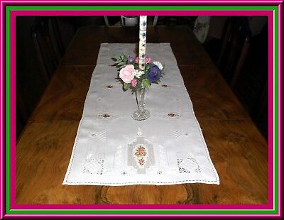 Fabulous Vintage  Linen Embroidered Table Runner With Punvchwork & Drawnwork