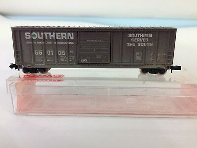 Roundhouse N scale 50 ft Box Car, 1 of 2 in Southern Paint Scheme- Weathered
