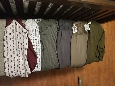 Juniors clothing lot size large