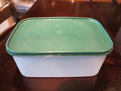 Tupperware Modular Mate Rectangle #2 - hunter green lid