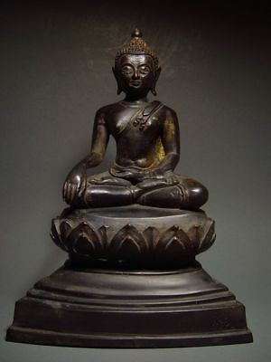 ANTIQUE BRONZE MEDITATING CHIENGSAEN BUDDHA, LANNA STYLE. TEMPLE RELIC 19th C.