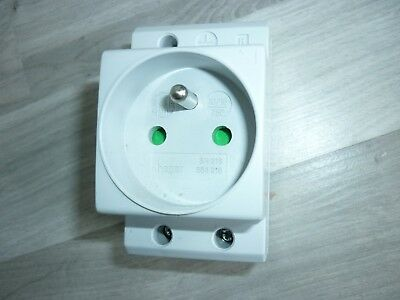 Prise Modulaire 10/16A-250V Hager 564216