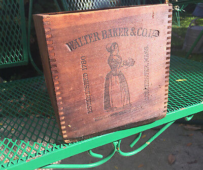 1900 Antique Advertising Walter Baker & Co Dorchester Mass  Wooden Shipping Box