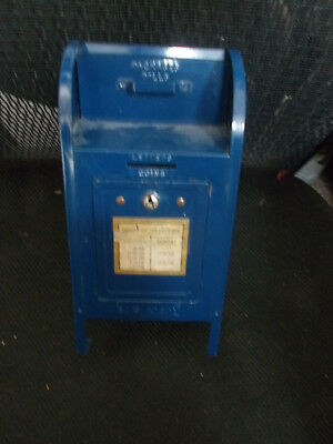 VINTAGE US POST OFFICE BLUE METAL MAIL BOX COIN BANK WITH 3 RARE KEYS Brumberger
