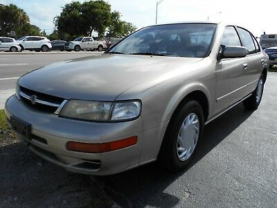1999 Nissan Maxima  1999 Nissan Maxima SE 4dr 3.0L V6 Cold AC Drives Great *FLORIDA*