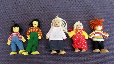 Wooden Poseable Happy Doll Family of 5 People for Dollhouse (Happy Doll Family)
