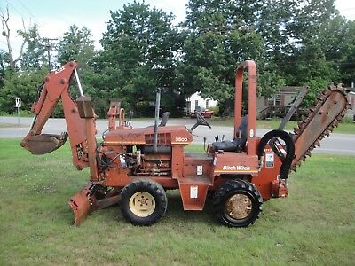 Nice Ditch Witch 3500 4X4 Trencher With Backhoe 1959 Hours