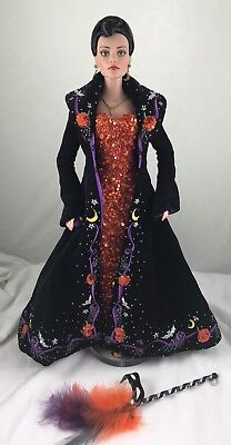 Tonner BE-WITCHED Sydney Chase Halloween 2004 Collectors United Exclusive