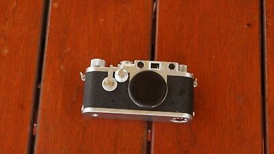 LEICA (3F) 111f RED DIAL with SELF TIMER Serial No. 729550