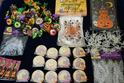 ~ Huge Lot 100+ Halloween Party Favors Spider Rings, Spinning Tops Creatures + ~