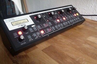 Moog Slim Phatty Analog Synthesizer - Top Zustand. Mit Originalhandbuch