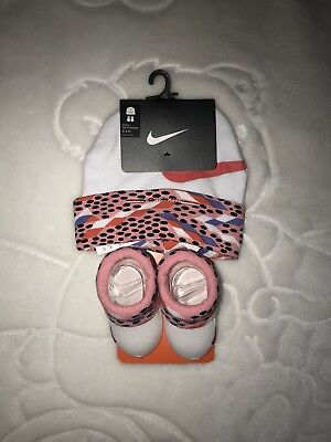 Baby Girl Nike Hat And Booties Set 0-6 Month