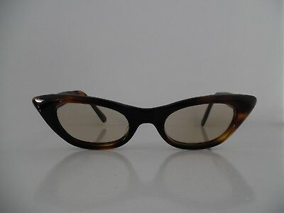 Vintage Ladies Tortoise Brown Cat Eye Glasses