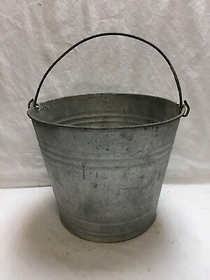 VINTAGE GALVANIZED WATER PAIL GARDEN BUCKET WIRE BAIL HANDLE #10o