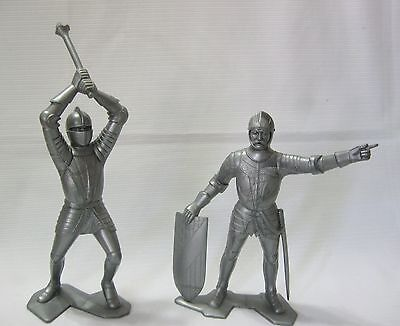 ..PAIR OF VINTAGE 1964 SIX INCH MARX SILVER KNIGHTS...EXCELLENT....lot D...