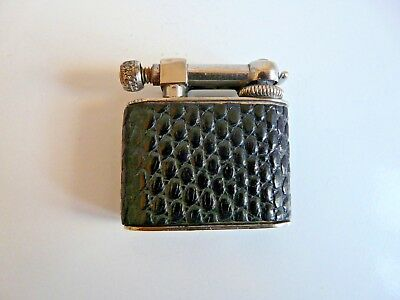 Ancien Briquet A Essence L'aquilon Metal Argente Gaine Peau De Lezard