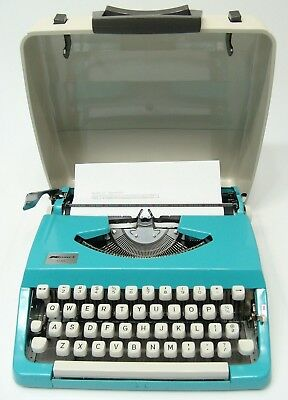 Vtg Teal Aqua Kmart 100 Portable Manual Typewriter With The Case Working Order