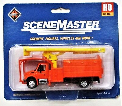 HO Scale Walthers SceneMaster 949-11743 Yellow International 4300 w//Tree Trimmer