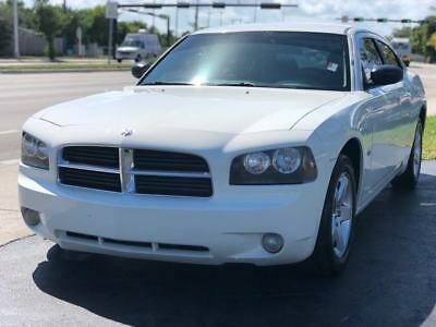 2009 Dodge Charger  2009 Dodge Charger SXT 4dr  3.5L V6 Automatic Cold AC Drives Great FLORIDA OWNED