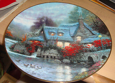 ROUND PLATE- 'OLDE THOMASHIRE MILL'-2nd ISSUE IN THOMAS KINKADE'S THOMASHIRE-XLN