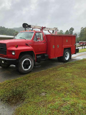 1989 Ford F700 Service Truck With Crane