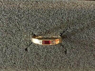 Vtg Avon Simulated Ruby Baguette CZ GoldTone Band Iceglow Ring 90's SZ 6 3/4