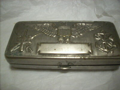 ww1 shaving kit, complete, amazing detail on the cover made by Gillette