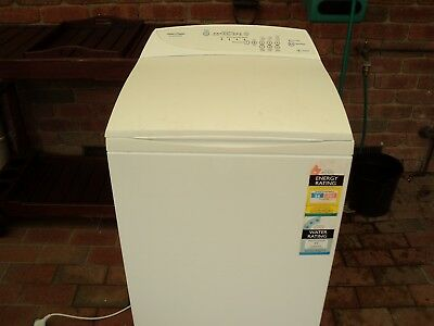 Fisher & Paykel 5.5KG Smart Drive Top Load Washing Machine MW513