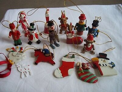 Beautiful Job Lot Of 16 Vintage Christmas Ornaments Some Wooden
