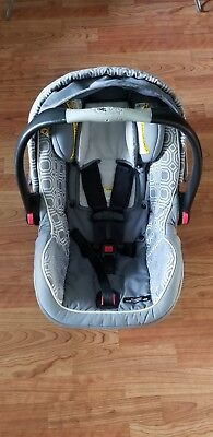 Graco SnugRige Click Connect 40 Baby Infant Car Seat Carrier