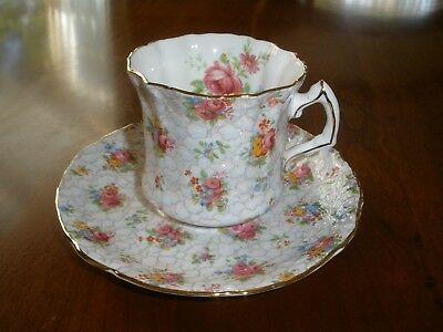 Vintage Hammersley Bone China Cup & Saucer Floral/Chintz Dainty w/Gold Trim 2348