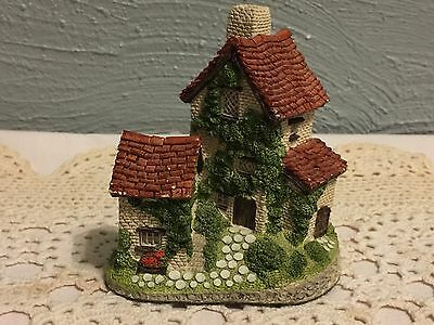 IVY COTTAGE BY  DAVID WINTER Made and Hand Painted in Great Britain Collectible