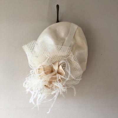 Vintage 1950s/80s Graham Smith Kangol Cream Straw Corsage Feather Net Dress Hat